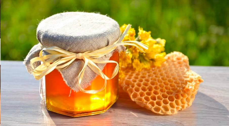 How To Use Honey To Get Glowing Skin